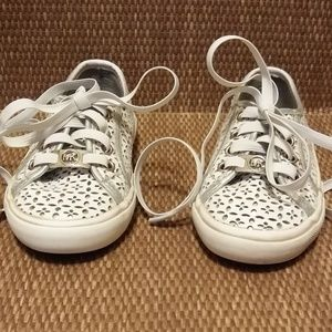 MICHAEL KORS WHITE & SILVER SNEAKERS